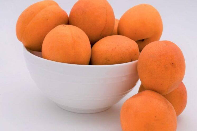 2 pounds of apricots