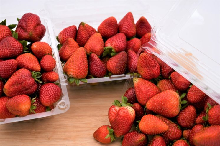 3 pounds of strawberries