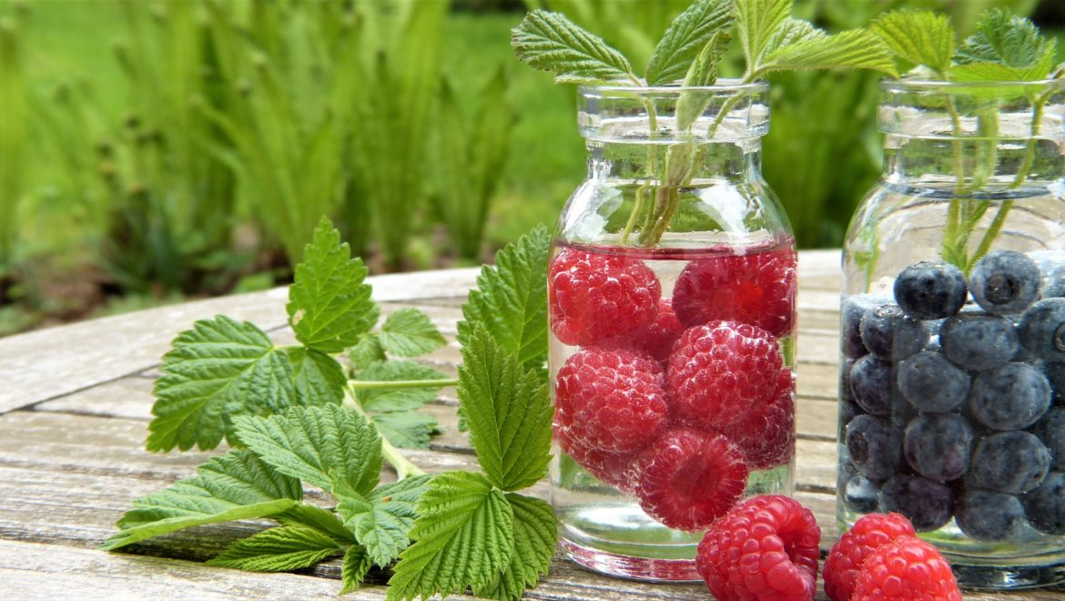 8 Water-Rich Fruits & Veggies To Quench Your Thirst