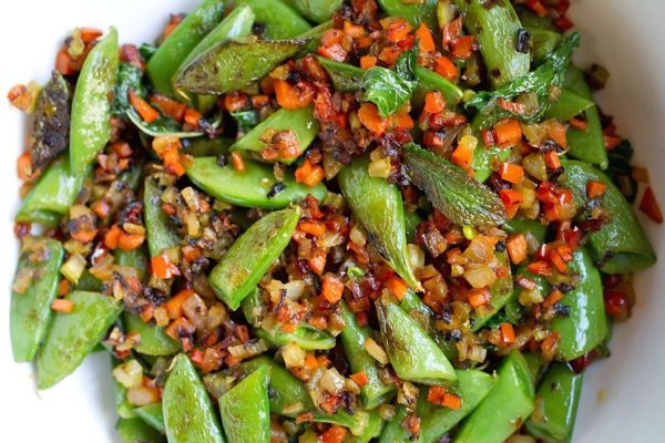 sugar snap peas with soffrito hot pepper and mint