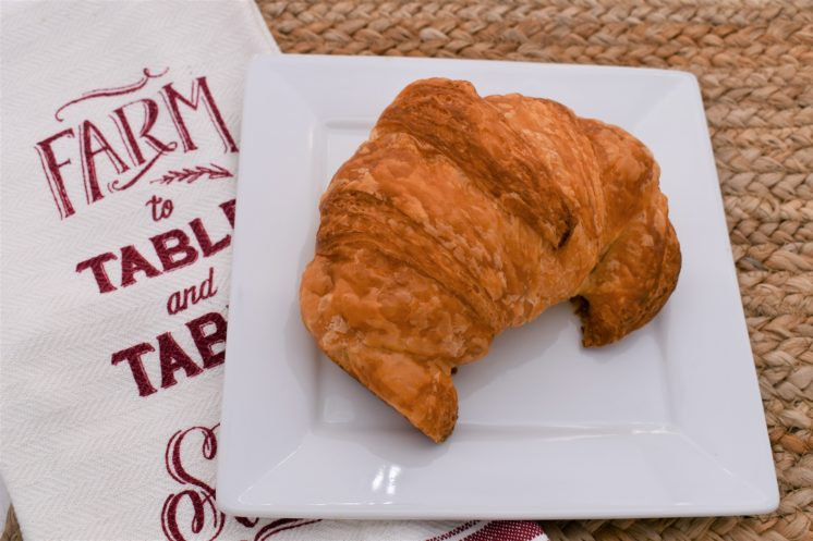 french pastry cafe croissant